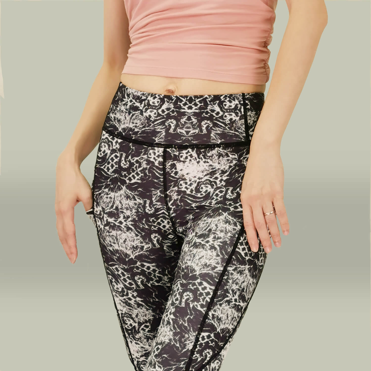Yoga Legging - Long Tights -Side Pockets-Black Print